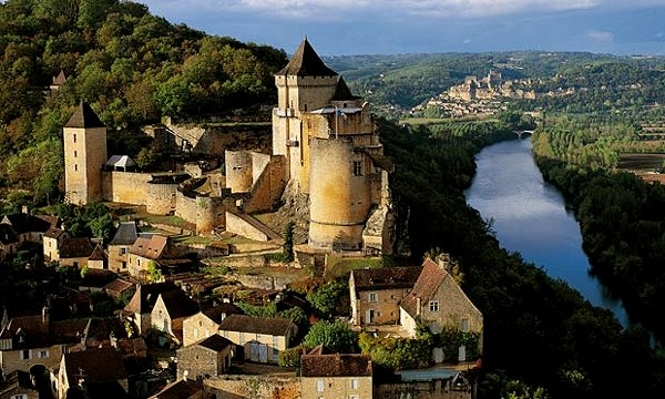 The Château de Castelnaud is a medieval fortress erected to face its rival, the Château de Beynac